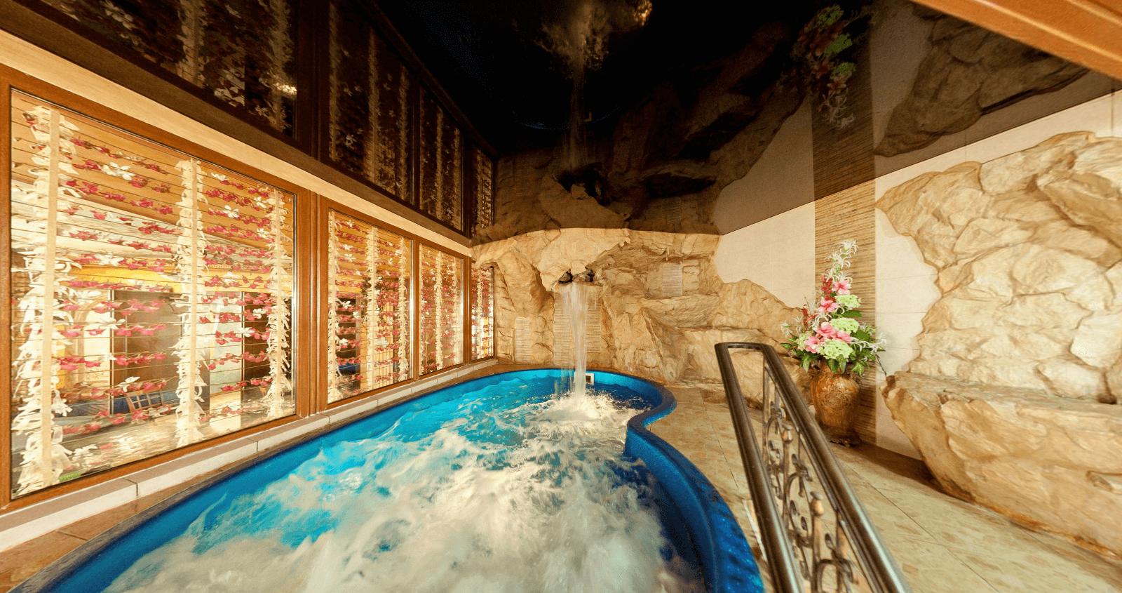 бассейн в итальянском стиле